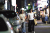 舒淇素颜当街抠鼻 懒理离婚传闻再度否认怀孕