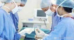 【老婆备孕6年却怀不上,医生竟从腹中取出了7块骨头】 备孕怀不上