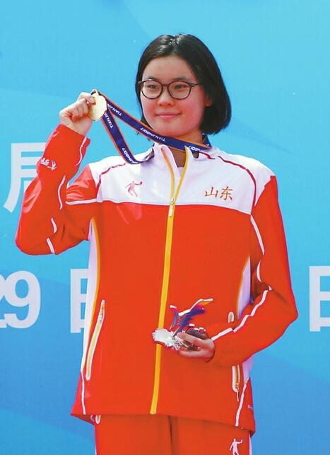 辛鑫衛冕女子10公里游泳馬拉松!濟南鐵姑娘咋這么牛?圖片