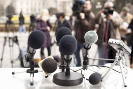 青年记者圆桌会议举行!