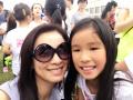 张庭陪女儿参加运动会