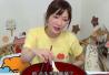 日本大胃王败给了重庆小面 因为辣…