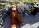 美民众悼念枪击案遇难者