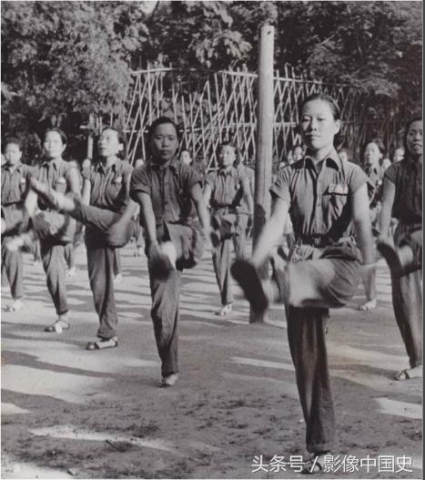 青年团夏令营是一个影响深远的项目,团体操是参与其中的男女青年必修课目之一