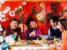"""不再固守于""""在家守岁"""" 国人春节上演另类团圆"""