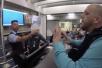 美航空公司被指出售超额机票 乘客错过登机引争执