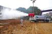数据造假?网传雾炮车对着空气监测站一直喷 官方:将调查处理