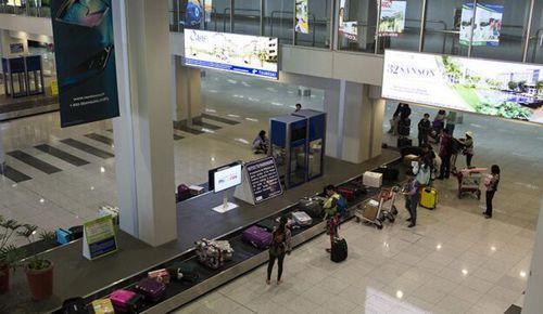 中国男子携100部诺基亚入境菲律宾 手机全被没