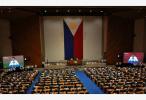 因为中国 菲律宾外长和前总统阿基诺三世怼上了