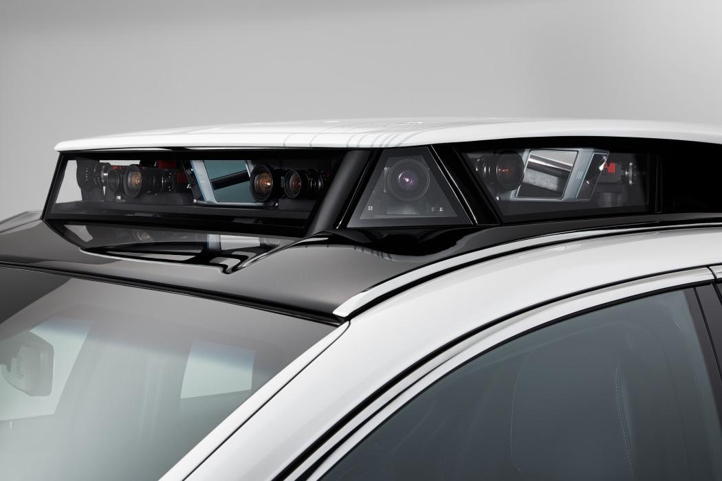 丰田发布全新自动驾驶原型车 基于雷克萨斯打造