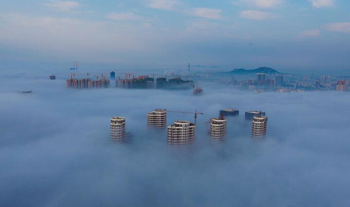 日照再现平流雾 高空俯瞰美如仙境