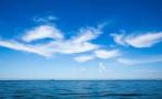 海风轻拂白云朵朵 这个夏天我在北纬37°遇见海