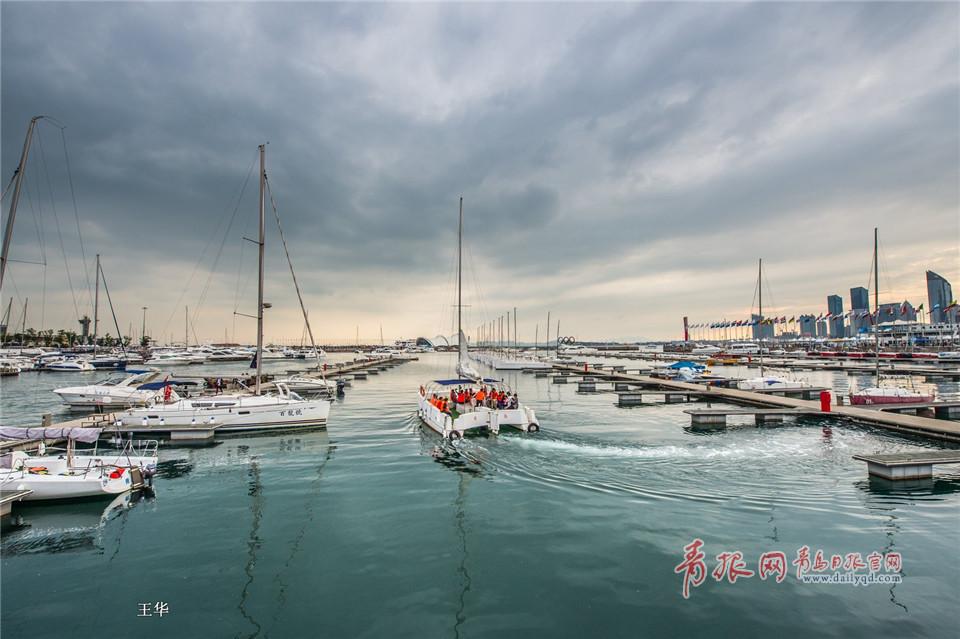 青岛奥帆中心:帆船点点,美景如画
