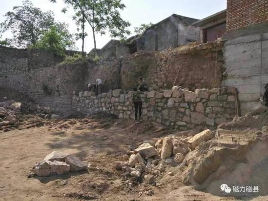 国搜江苏 河道清淤工作:白土镇全境共有白土河沟,上寨河沟,张二庄河沟图片