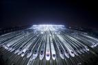 京港高铁首日满员发车 9小时抵达!