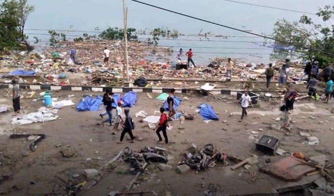 印尼:强震引发海啸 已致832人丧生