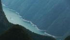 长江巫峡壮美如画