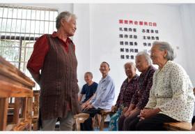老人养生记住4个黄金时段 动动脚趾也能保健